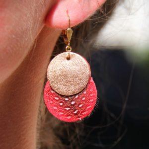 boucle d'oreille cuir rose et rouge